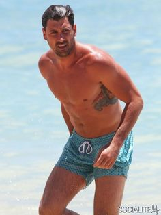 Maksim And Val Chmerkovskiy Show Off The Shirtless Bodies On The Beach In Hawaii