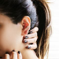 """Ribbon"" Diamond Ear Cuff   Plukka"