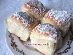 Slivkové gule so strúhankou Deutsche Desserts, German Desserts, Scones, Doughnut, Biscuits, French Toast, Sweets, Bread, Baking
