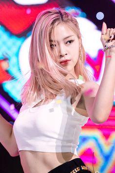 ICY and Dalla Dalla era — … – Kpop Magazine South Korean Girls, Korean Girl Groups, Kpop Girl Bands, Bts And Exo, Popular Music, Girls Generation, Kpop Girls, Everyday Fashion, Asian Girl