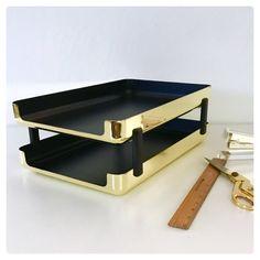 Carson ELDON Emphasis 6000 Executive Brass Double Stocking Letter Tray, Vintage and Rare from 1984, Designer Office Home Desk de la boutique CDvintageAndCraft sur Etsy