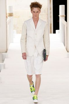 Issey Miyake Spring 2015 Menswear Collection Slideshow on Style.com