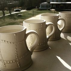 The sun is setting on another day. Having a wonderful time making and talking @penlandschool @uncoclayclub #muglife #porcelain #slipdesign