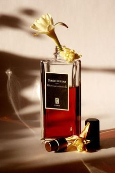 Tubéreuse Criminelle - Christopher Sheldrake for Serge Lutens Will you be the victim ?