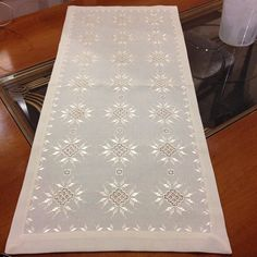 Photo from songldere Hardanger Embroidery, Cross Stitch Embroidery, Hand Embroidery, Embroidery Designs, Broderie Bargello, Hacks, Needlepoint, Needlework, Diy And Crafts