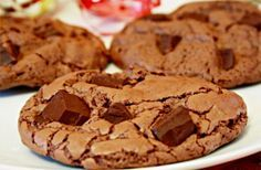 Exquisite and easy chocolate cookies :) Chocolate Cookie Recipes, Chocolate Chip Cookies, Chocolate Chocolate, No Bake Cookies, Yummy Cookies, Cake Pops, Sweet Pastries, Cookies Ingredients, Eat Dessert First