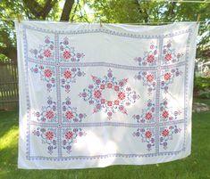 Vintage Hand Embroidered Linen Tablecloth, White Linen Embroidered Tablecloth, Vintage Hand Embroidered Linen Bedspread