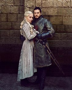 Daenerys and Jon Snow Season 8 - Game of Thrones - Winter Jon Snow And Daenerys, Dany And Jon, Game Of Throne Daenerys, Dessin Game Of Thrones, Arte Game Of Thrones, Game Of Thrones Facts, Game Of Thrones Funny, Khaleesi, Daenerys Targaryen