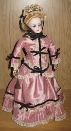 "FG 2/0 Parisienne fashion poupee 11"" from grandmas-house on Ruby Lane"