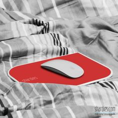 Who doesn't occasionally take the laptop to bed? The hard 'shardies' mouse pad is your perfect companion.