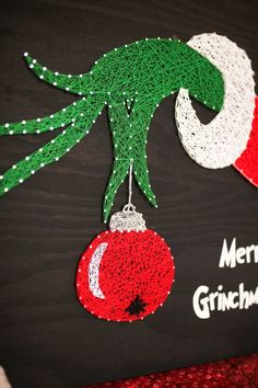 Items similar to Merry Grinchmas - The Grinch Who Stole Christmas - string art - the grinch - grinch - grinch decorations - whoville - christmas decorations on Etsy String Art Diy, String Crafts, Resin Crafts, String Art Templates, String Art Patterns, Doily Patterns, Dress Patterns, The Grinch, Grinch Christmas Decorations