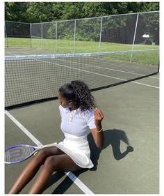 Tennis Outfits, Tennis Clothes, Black Girl Shirts, Tennis Photography, Tennis Fashion, Black Girl Aesthetic, Sporty Girls, Mode Streetwear, Rich Girl