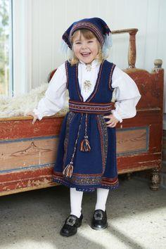Bilderesultat for strikket barnebunader World Cultures, Norway, Children, Vintage, Fashion, Alternative, Velvet, Moda, Boys