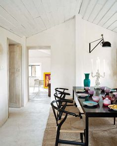 dining room.  home in Palmela, Portugal