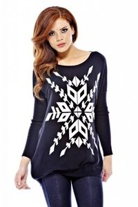 Keep it cute and casual in the knit snowflake sweater. Find more sweaters in www.zappard.com