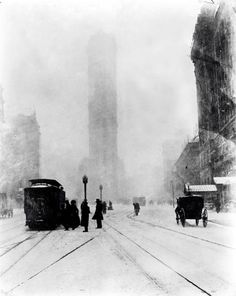 1905~Fifth Avenue at 25th Street, Flatiron Building barely visible in the snow