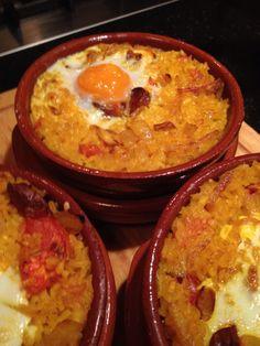 Paella voor 1 persoon.  https://www.facebook.com/pages/Spaanse-recepten/287970614619954
