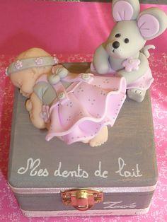 EN ORDEN Los dientes del bebé ratón y caja fimo. Nacimiento