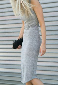 gray fitted midi dress {cute} looks soo comfy&cute Fashion Moda, Look Fashion, Fashion Beauty, Fashion Trends, Mode Style, Style Me, Vestidos Sport, How To Have Style, Fitted Midi Dress