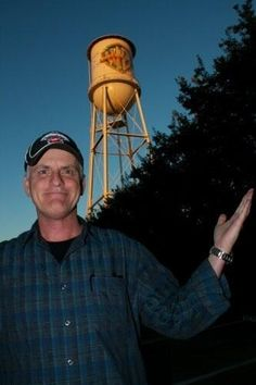 Love this pic.  Rob Paulsen voice of Yakko Warner in front of the WB water tower.