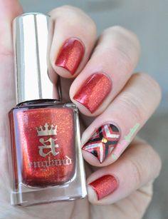 A England Gloriana // Captivante - orange red nail polish with a striping tape accent - #nails #nailart - http://lapaillettefrondeuse.blogspot.be/2014/12/a-england-gloriana-captivante.html