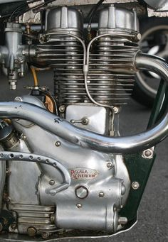 Racing Vincent - Used Parts and Bikes For Sale Enfield Motorcycle, Motorcycle Engine, Motorcycle Style, Royal Enfield Wallpapers, British Motorcycles, Bikes For Sale, Triumph Bonneville, Old Bikes, Used Parts