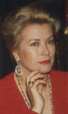 "anothergracekellyblog: "" Princess Grace of Monaco "" Awwww :)"