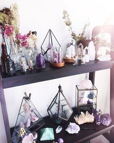 Cheap Home Decor .Cheap Home Decor Crystals And Gemstones, Stones And Crystals, Crystals In The Home, Healing Crystals, Crystal Room Decor, Crystal Bedroom, Crystal Aesthetic, Crystal Garden, Crystal Altar