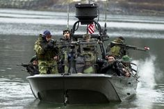 Image used to illustrate the details of the Patrol Boat Light (PBL) Light-Class Patrol Boat Military Girlfriend, Military Love, Military Photos, Military Spouse, Brown Water Navy, Boston Whaler, Boat Lights, Us Navy Seals, Military Special Forces