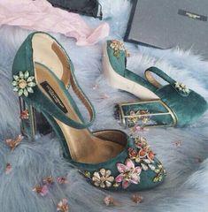 Ριηтєяєѕт: shmotku в 2019 г. shoes, jeweled shoes и shoe boots. Pretty Shoes, Beautiful Shoes, Cute Shoes, Me Too Shoes, Gorgeous Gorgeous, Beautiful Images, Dream Shoes, Crazy Shoes, Zapatos Shoes