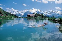 Reserve skiing vacation accommodation in Engelberg Switzerland . Engelberg tourist info and transport to book your hotel accommodation or holiday trip. Ski Vacation, Dream Vacations, Vacation Spots, Engelberg Switzerland, Mount Titlis, Tourist Info, Day Plan, Sport, Holiday Travel