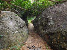 Entre rochas http://brinqueeclique.blogspot.com.br/