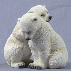 Polar Bear Cubs Sculpture  U$39.00