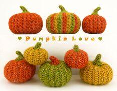 Free Pumpkin Pattern by Moji-Moji Design Crochet Pumpkin Pattern, Halloween Crochet Patterns, Free Pumpkin Patterns, Crochet Fall, Cute Crochet, Crochet Ideas, Crochet Projects, Yarn Projects, Fall Patterns