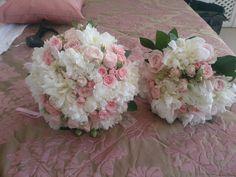 #weddingsinsantorini #heliotoposhotel #imerovigli #flowerbouquets #weddingbouquet #rosesarered #rosesareblue #roses #flowerdecoration #his #hers #couple #uncoditionallove #weddingplanner #blossomout Santorini Wedding, People Fall In Love, Flower Decorations, Red Roses, Wedding Bouquets, Wedding Planner, Floral Wreath, Wreaths, Couple