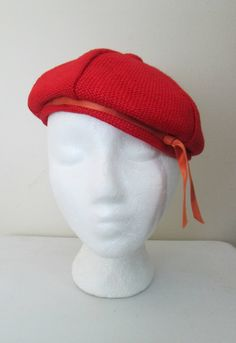 155731416d9e8 1940s 1950s Red Beret Woven Fabric Tam Hat