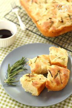 Nasi Lemak Lover: Italian Focaccia with Onion and Rosemary 意大利佛卡夏