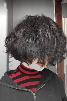 Shot Hair Styles, Curly Hair Styles, Hair Inspo, Hair Inspiration, Androgynous Hair, Fluffy Hair, Hair Reference, Hair Claw, Cut My Hair