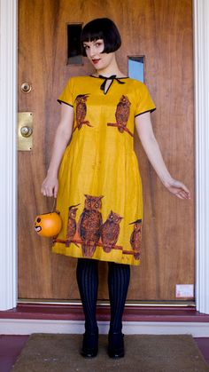 1920s Halloween dress. Ok the chances of my wearing a dress are slim to zero. This is CUTE though!