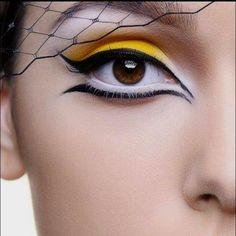Eyeliner with yellow eye shadow