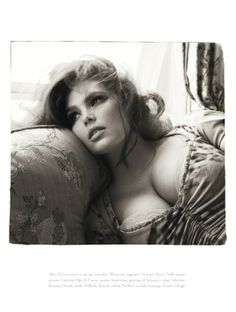 Italian Vogue normal/plus size boudoir shoot...this woman is gorgeous!!! I love her makeup and hair