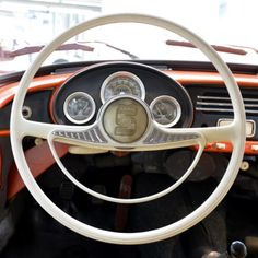 Volant v proměnách desetiletí - ŠKODA Storyboard Storyboard, Cars And Motorcycles, Fun Facts, Vehicles, Model, History, Motor Car, Funny Facts, Historia
