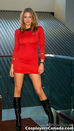 Maitland Ward cosplaying as a Classic Trek Redshirt Cosplay Outfits, Cosplay Girls, Sexy Outfits, Star Trek Rpg, Star Trek Ships, Film Science Fiction, Star Trek Uniforms, Star Trek Cosplay, Maitland Ward