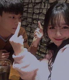 Resultado de imagem para korean couple ulzzang having ice cream Korean Best Friends, Boy And Girl Best Friends, Boy Or Girl, Couple Goals, Cute Couples Goals, Couple Ulzzang, Ulzzang Boy, Image Couple, Photo Couple