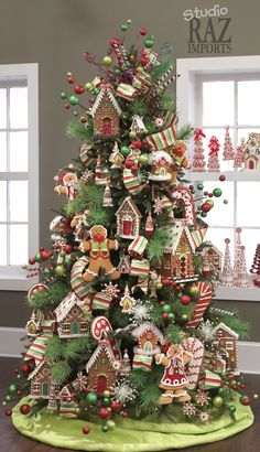 2012 Christmas Tree - gingerbread houses & men Gingerbread Christmas Tree, Gingerbread Decorations, Christmas Tree Themes, Christmas Candy, Holiday Tree, Beautiful Christmas Trees, Christmas Love, Christmas Holidays, Gingerbread Houses