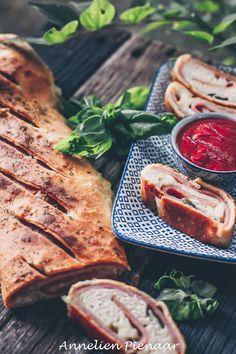 Stromboli, Sandwich Recipes, Pesto, Steak, Sandwiches, Good Food, Pizza, Van, Herbs