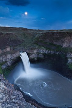 Palouse Falls Moon by Cameron Booth on Flickr.
