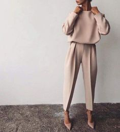 Fine Outfit Ideas Spring You Should Already Own outfit ideas spring, Mode femme Classy Outfits, Fall Outfits, Casual Outfits, Fashion Outfits, Womens Fashion, Casual Clothes, Sneakers Fashion, Paris Outfits, Hijab Fashion