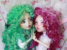 http://smileidiote.deviantart.com/art/Monster-High-OOAK-doll-Mattel-Draculaura-Lagoona-556162917