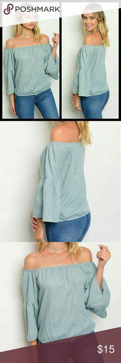 """⚜️Off shoulder top⚜️ Fabric Content: 100% COTTON   Description: L: 22"""" B: 28"""" W: 28""""   Fits amazing! Tops Blouses"""